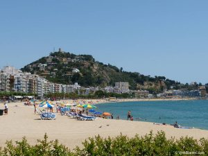 Platja de Blanes, the main beach in the old town center